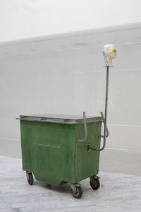 Sur pollen, 2015. Garbage container, steel, polyurethane, epoxy, wig, paint. 215 x 80 x 170 cm