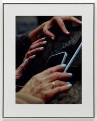 Josephine Pryde. Four hands on a slab, 2016. C-print. 79,2 x 62,7 cm