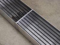 Benjamin Hirte. Gutter/Rinne, 2017 (detail). Aluminum, steel, various materials. 18 x 250 x 25 cm